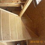 Лестница из дерева на заказ Калининград