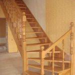 Замер, расчет, изготовление, доставка и установка деревянных лестниц