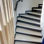 Окрашенные деревянные лестницы, цена от 60 000 до 120 000 руб
